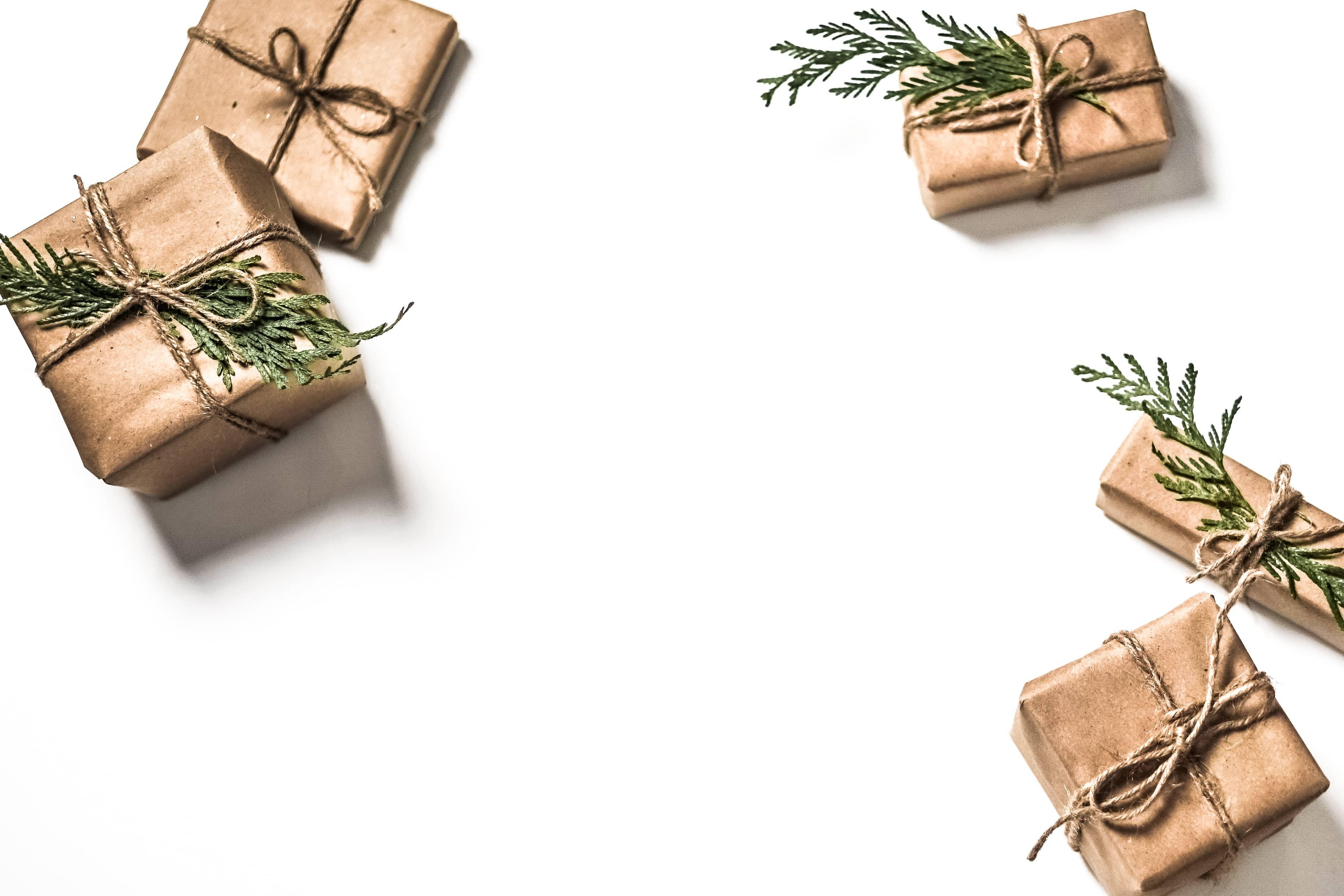 christmas warehouse hours